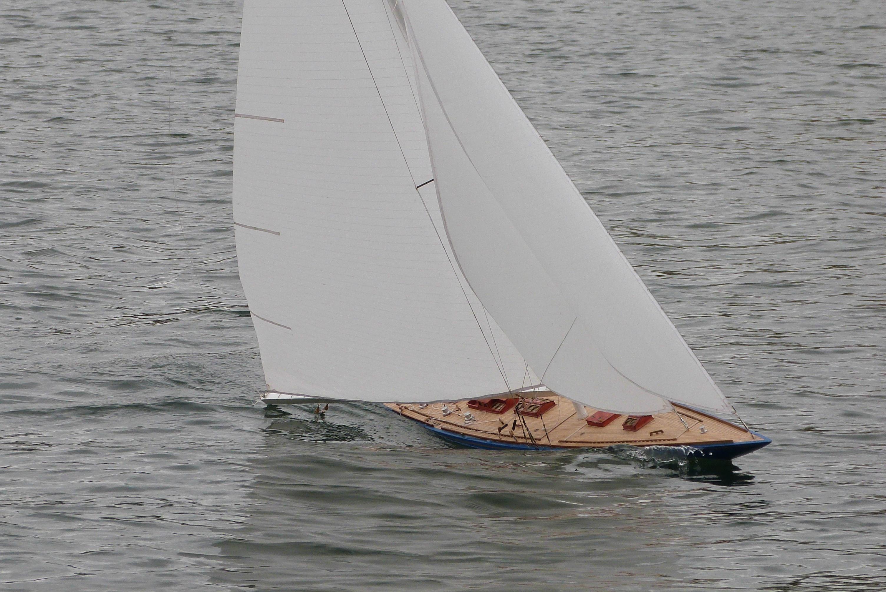Endeavour Michel Vellut